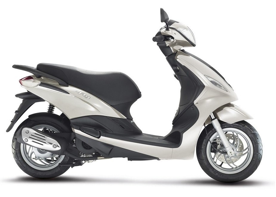 Piaggio Fly 150 3V Floor stock sale $3999 just one left in black
